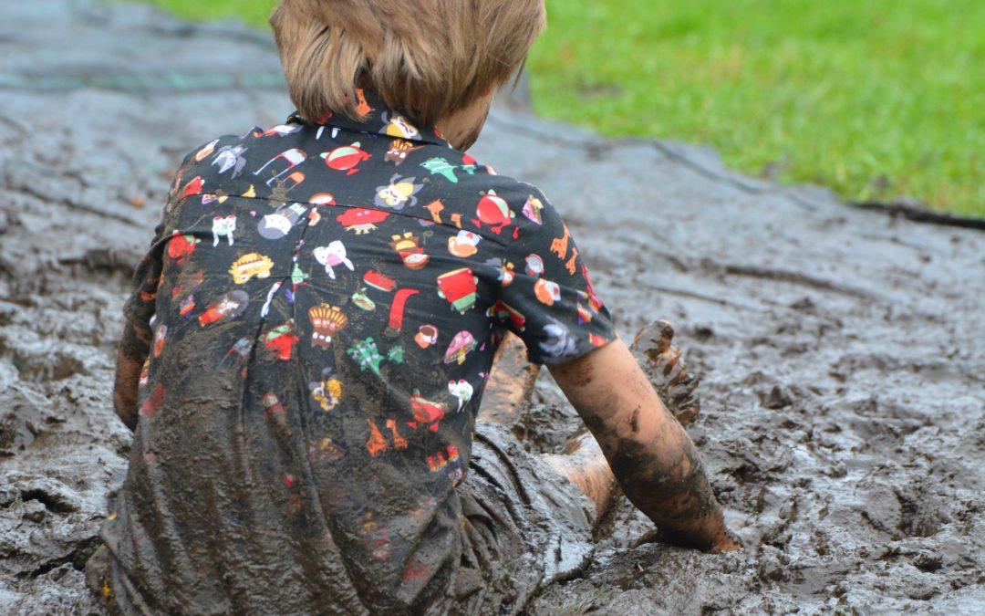 5 Steps to Conquer Mud Stains!